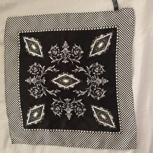 Black & white 100& silk scarf 10x 10